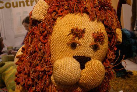 Lion-close