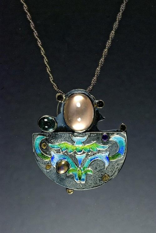 Vernalia brooch_pendant