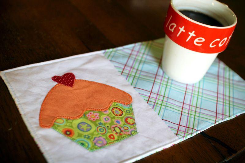 Cupcake-mug-rug